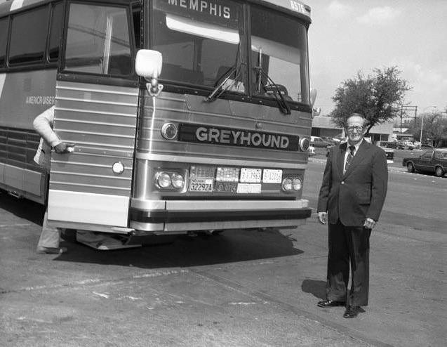 hilton garden inn bus terminal memphis