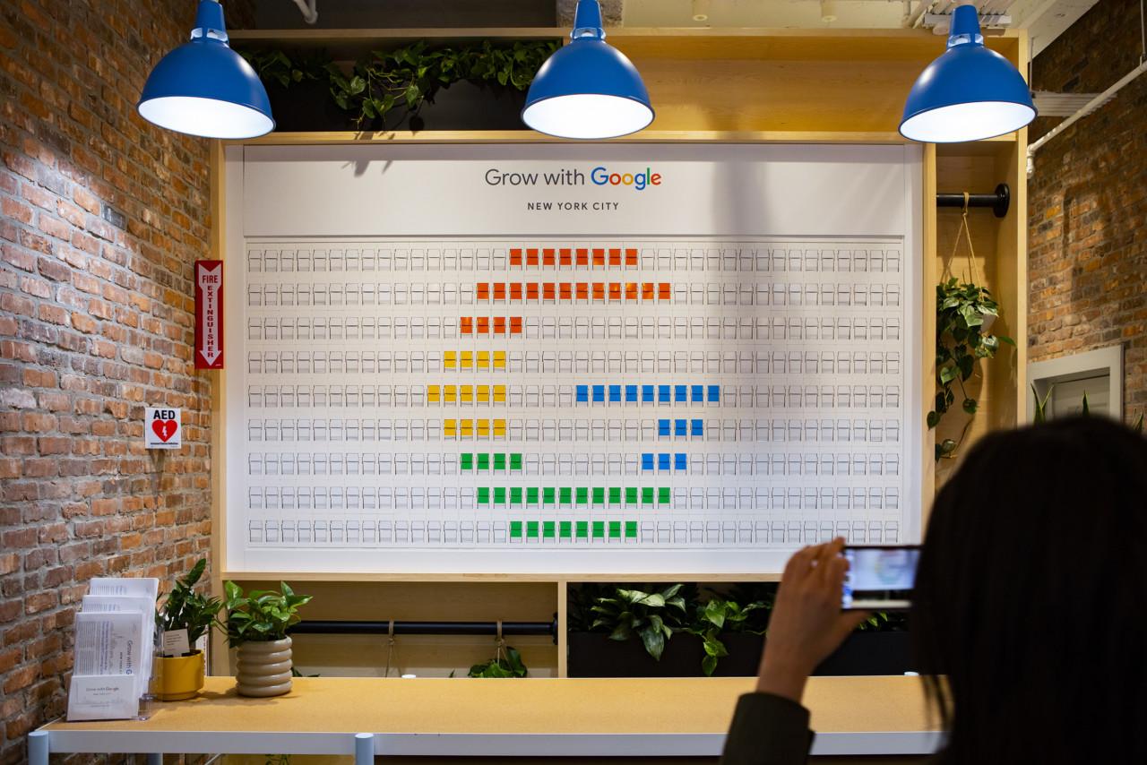 Google learning center split flap